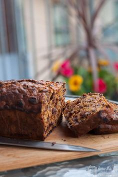 Julie's Bara brith (speckled bread) a traditional Welsh cake is easy to make. She shows Recipes Made Easy how in Friends in the Kitchen. Baking Recipes, Cake Recipes, Dessert Recipes, Desserts, Bread Recipes, Bara Brith, Welsh Recipes, British Recipes, Tea Loaf