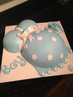 Baby bump cake for baby shower