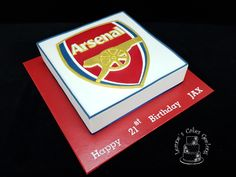 Another Arsenal logo cake with hand cut fondant logo. www.facebook.com/cakesbyleannerhodes