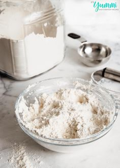 Homemade Dry Baking Mix (DIY Bisquick) is less expensive and better for you! Make homemade biscuits, pancakes, muffins, cakes, and more! Homemade Biscuits, Homemade Sauce, Bisquick Homemade, Stove Top Meatloaf, Mason Jar Meals, Fruit Arrangements, Jamaican Recipes, Seasoning Mixes, Spice Mixes