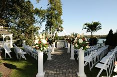 Beach Club Estate and other beautiful Lake Ronkonkoma wedding venues. Detailed info, prices, photos for Long Island wedding reception locations. New York Wedding Venues, Wedding Reception Locations, Wedding Ceremony, Wedding Dress, Lakeside Wedding, Destination Wedding, Wedding Planning, Topping Rose House, Catering Halls