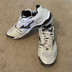 mizuno volleyball tennis shoes