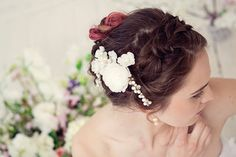 Pearl and flower bridal comb Ivory bridal by MaijasWeddingBliss
