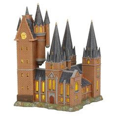The highest peak at Hogwarts is the astronomy tower, where young witches and wizards learn about the stars and their effects on magic. A massive and majestic addition to your Hogwarts Castle. Hogwarts Astronomy Tower Features a European plug Tower Building, Light Building, Harry Potter Set, Harry Potter Hogwarts, Tower Light, Hogwarts Great Hall, The Burrow, Shop Buildings, Harry Potter Collection