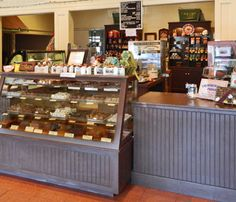 Features fudge, traditional hand-made chocolates, Caramel Snappers™, crisp brittles, toffee and other unique confections. Texas Roadtrip, Texas Travel, Weekend Getaways Near Me, San Antonio Vacation, Texas Bucket List, Dessert Restaurants, Fredericksburg Texas, Old Farm Houses, Texas Hill Country