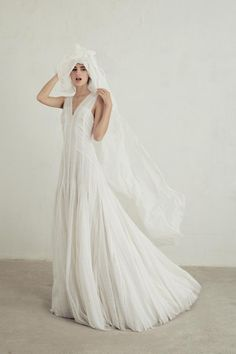 LOHO Bride is a carefully curated experience in San Francisco for women who think outside the traditional bridal box. LOHO Bride carries bridal dresses, jewelry, ready-to-wear and lingerie. Greek Wedding Dresses, Boho Wedding Dress, Designer Wedding Dresses, Wedding Gowns, Wedding Designers, Lace Wedding, Collection 2017, Dress Collection, Bridal Gown Styles