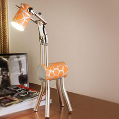 Its a man, its a giraffe, its a lamp! All you need for if your a giraffe lover to put into your room x Giraffe Lamp, Giraffe Decor, Cute Giraffe, Giraffe Print, Giraffe Bedroom, Giraffe Pattern, Residential Lighting, Home Lighting, Desk Lamp
