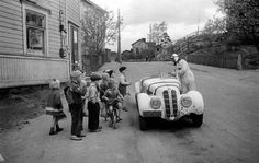 Pasila, Children admiring a sports car in Pasila in the 1950's