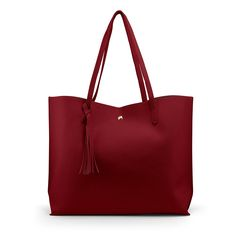 For many women, getting a genuine designer bag is not really something to dash straight into. As these handbags can be so expensive, ladies typically agonize over their choices before making an actual purse purchase. Shoulder Purse, Shoulder Handbags, Clear Tote Bags, Large Tote, Clutch Bag, Red Clutch, Leather Handbags, Purses And Bags, Messenger Bags