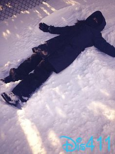 Me making snow angels so fun Rowan Blachard, New Disney Channel Shows, How To Make Snow, Snow Angels, Girl Meets World, Sabrina Carpenter, Get To Know Me, Love Her Style, Disney Pictures