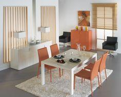 Moderna composición en blanco y naranja. #muebles #comedor #decoracion
