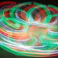 Experimentiere zuhauseund gewinne eine Familien-Jahreskarte für das Technorama im Wert von 200 Franken!   Das Technorama mit vielen spannenden Naturphänomenen kannst du auch von zuhause aus entdecken! Auf Technorama @ home findest du spannende Experimente die du ganz einfach daheim nachmachen kannst.  Dokumentiere deine Experimente mit einem Foto oder einem selbstgedrehten Video und teile deine Versuche und Erkenntnisse auf Social Media unter dem Hashtag #mytechnorama.  Unter den… Videos, Neon Signs, Pictures, Annual Pass, Families, Ad Home, Cards, Simple