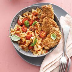 Mini-Schnitzel mit Farfalle und milder Tomatensauce Rezept | Weight Watchers