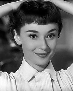 Audrey Hepburn‿✿⁀