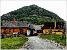 Vlkolínec European Countries, Czech Republic, Cabin, Country, House Styles, Home Decor, Cities, Decoration Home, Rural Area
