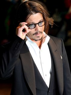 Johnny Depp, major eye candy, he's dandy!