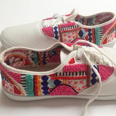 Asymmetrical embroidered canvas shoes  https://www.instagram.com/p/BCr8qHSuLa_/