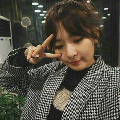 Chubby cheeks so cute Kpop Girl Groups, Korean Girl Groups, Kpop Girls, Red Velvet Seulgi, Red Velvet Irene, Sooyoung, My Girl, Cool Girl, Kang Seulgi