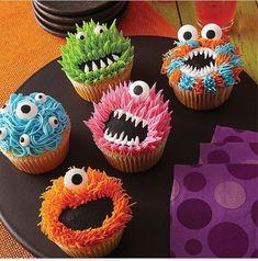 Halloween Desserts, Postres Halloween, Halloween Treats, Halloween Cupcakes Decoration, Diy Halloween, Halloween Cupcakes Easy, Halloween Fruit, Halloween Halloween, Deco Cupcake