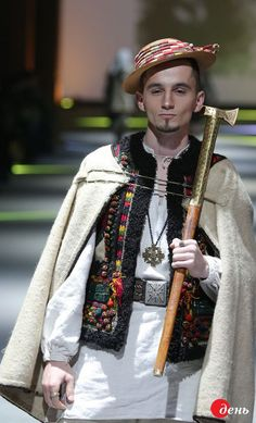 Ukrainian Fashion Week «ВИТОКИ» Hutzel inspired (Carpathian mtn natives)