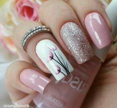 Dusty pink and glitter nails with a pretty white floral accent nail.-- Dusty pink and glitter nails with a pretty white floral accent nail. Ombre Nail Designs, Black Nail Designs, Nail Art Designs, Nail Designs Spring, Nails Design, Spring Nail Art, Spring Nails, Spring Art, Trendy Nails