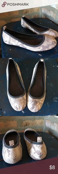 GAP tan leather flats Cute print tan leather flats. Perfect for work or everyday wear. Excellent condition GAP Shoes Flats & Loafers