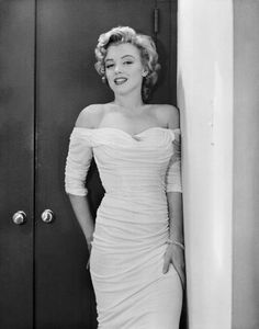 Marilyn Monroe photographed by Philippe Halsman, 1952