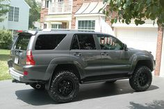 AWESOME 4RUNNER, GALACTIC GREY, BLK. POWDERCOATED TRD 18x9 rims, Toytec Ultimate lift, Nitto Trail Grapplers 285-65-18... Want those wheels on mine ❤