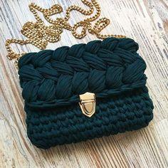 @knitted_with_love72 в Instagram: «❌Продана Одна красотка))) Ждёт свою хозяйку! Цвет искажён (безумно красивый и глубокий темно-зеленый))) Теперь он мой любимчик!!!! 100%…»