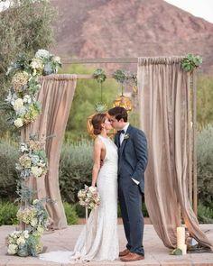Uma inspiração de fundo maravilhosa para casamentos no campo! #ceub #casaréumbarato #rusticwedding #casamentorústico