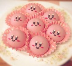 I know this is Kirby, but they're still VERY cute Cute Snacks, Cute Desserts, Cute Baking, Japanese Snacks, Japanese Food Art, Japanese Candy, Cafe Food, Cute Cakes, Aesthetic Food