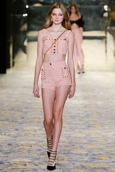See all the Collection photos from Alice Mccall Spring/Summer 2018 Resort now on British Vogue Korean Fashion Trends, Korean Street Fashion, Korea Fashion, Fashion 2018, Runway Fashion, High Fashion, Fashion Show, Fashion Outfits, Womens Fashion