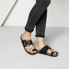 BIRKENSTOCK Miramar Big Buckle Oiled Leather Black in all sizes ✓ Buy directly from the manufacturer online ✓ All fashion trends from Birkenstock Bare Foot Sandals, Black Sandals, Mens Beach Shoes, Buckle Outfits, Black And White Shoes, Buy Shoes Online, Only Shoes, How To Make Shoes, Me Too Shoes