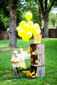 Love the crate idea and the yellow balloons