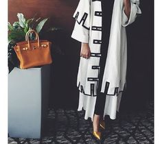 Providing the latest in hijab fashion trends, beauty tips, faith and health advice. Iranian Women Fashion, Arab Fashion, Islamic Fashion, Muslim Fashion, Modest Fashion, Fashion Dresses, Mode Abaya, Abaya Designs, Hijab Style