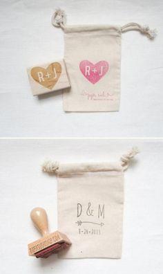 Matrimonio sacchetto bomboniere con timbro personalizzato. Wedding favors with custom stamp. #wedding