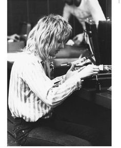 Read Roger Taylor from the story Queen pictures by vomit_heart (Leticia) with reads. Ben Hardy, Great Bands, Cool Bands, Metallica, Queen Drummer, Drummer Boy, Roger Taylor Queen, Princes Of The Universe, Queen Pictures