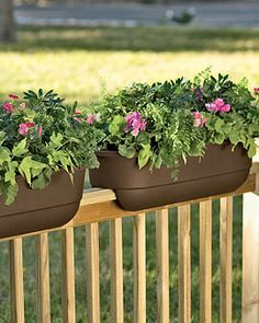 Diy deck rail planters balcony railing planter box porch boxes patio luxury fence r pots architectural Over Railing Planters, Railing Planter Boxes, Balcony Planters, Balcony Railing, Modern Planters, Deck Railings, Porch Planter, Planter Ideas, Balcony Blinds