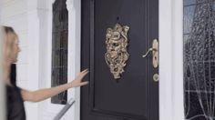 gifsboom:    Video:A Door Knocker Comes to Life to Scare Away Door-to-Door Salespeople in This Funny New Ad from New Zealand