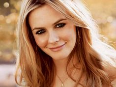 Alicia Silverstone Launches Eco-Friendly Beauty Line. Alicia Silverstone, The Kind Diet, Famous Blondes, Famous Vegans, Juice Beauty, Homemade Beauty, Famous Faces, American Actress, Beverly Hills