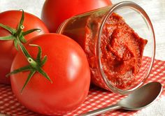 """""""no-cook method for making tomato purée, sauce and juice""""  """"making tomato juice and tomato purée using a deep freezer and minimal cooking.""""  Read more: http://www.motherearthnews.com/real-food/tomato-puree-zm0z12aszhun.aspx#ixzz2bt3PrrZ0"""