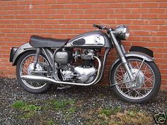 The Norton Dominator 99 was a 600cc twin. It was a good looking machine that handled beautifully. Not that fast in standard trim, but there were plenty of highly tuned examples that were.