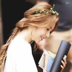 Irene là nữ thần mới của Kpop, cô nàng sở hữu vẻ đẹp thanh khiết. Ở góc chụp này Irene khiến người khác phải ngẩn ngơ.