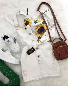 I don't like da shoes at all, but I lurve sunflowers n these style dresses Cute Summer Outfits, Outfits For Teens, Spring Outfits, Trendy Outfits, Girl Outfits, Fashion Outfits, Outfit Chic, Mode Cool, Teen Fashion