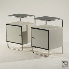 Pair of small tubular steel cabinets in the style of the Bauhaus-Modernism - 	1500 €