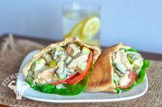 Una opción saludable para comer: Pan pita relleno con una rica ensalada de pollo   Adelgazar - Bajar de Peso