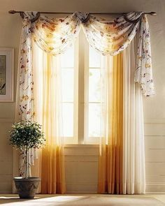 sonnige Gardinen-Blumen-grosse Fenster