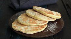 Saupkake kan for mange bringe frem gode barndomsminner. Den litt søte kaken smaker aller best med brunost eller salt kjøttpålegg, som fenalår eller lammerull.