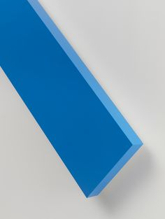Ellsworth Kelly, Blue Angle (detail) 2014 Painted aluminum 90 x 150 x 4 1/8 inches; 229 x 381 x 11 cm