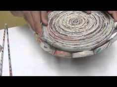Joanne Archambault shared a video Recycled Paper Crafts, Recycled Magazines, Newspaper Crafts, Paper Beads Tutorial, Quilling Tutorial, Decor Crafts, Diy And Crafts, Toilet Roll Art, Rolled Paper Art
